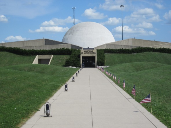 Armstrong_Air_and_Space_Museum_08312012_067